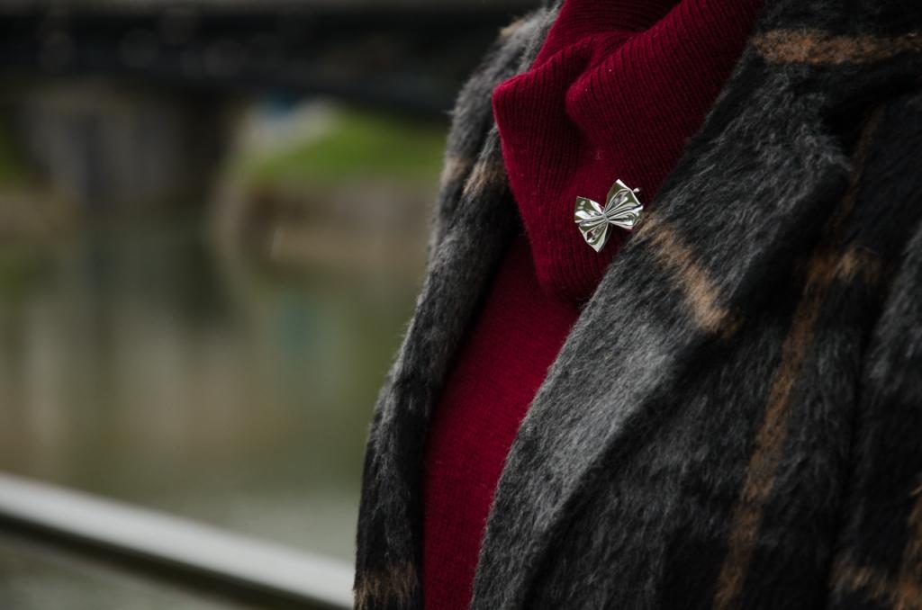 chequered_coat_burgundy_pullover_zala_zagoricnik_6