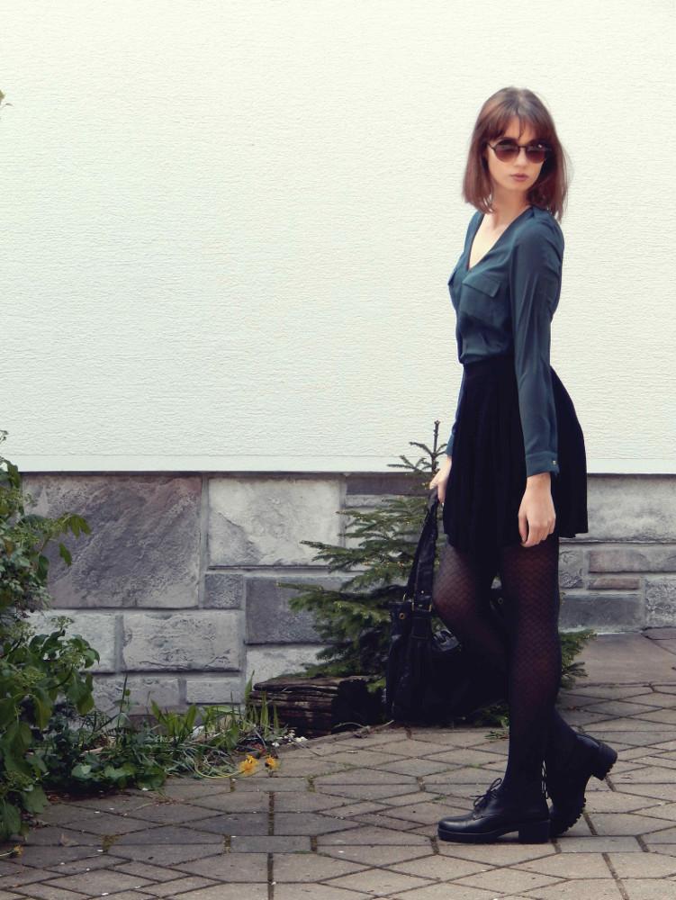 Skirt_shirt_dark_outfit_Zala_Zagoricnik_13