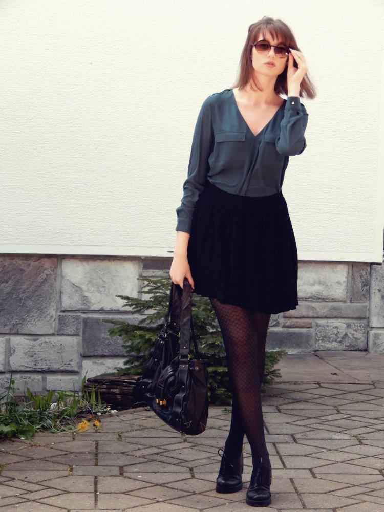 Skirt_shirt_dark_outfit_Zala_Zagoricnik_5