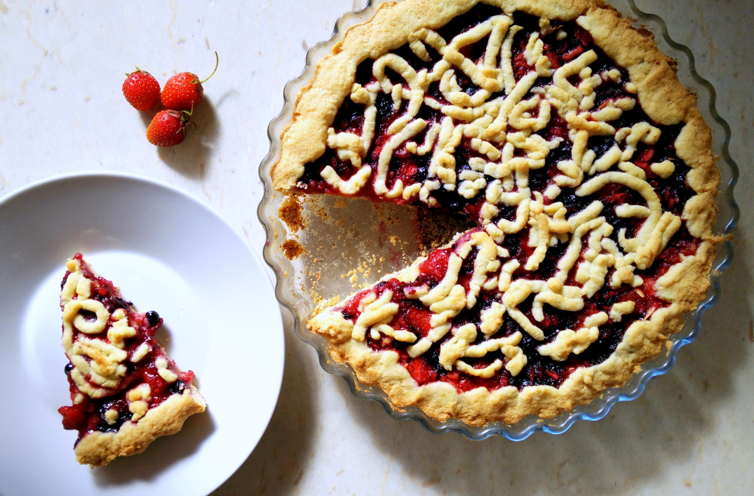 Berry_Strawberry_Blueberry_pie_recipe_Zala_Zagoricnik_3