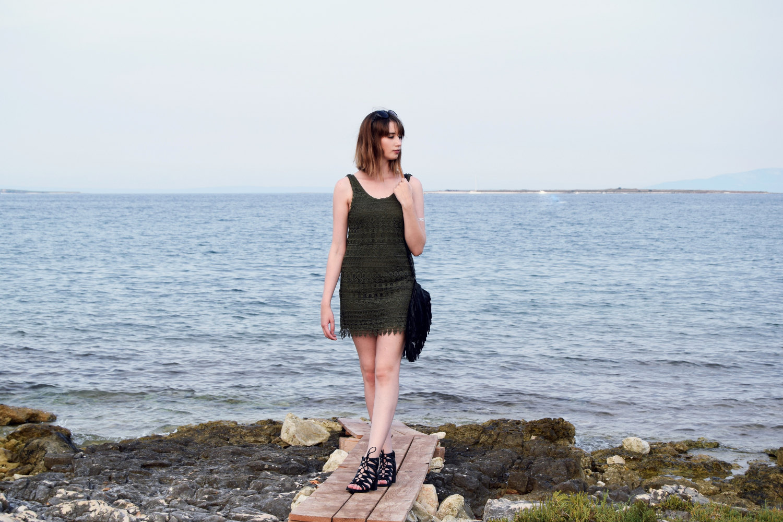 Seaside_lace_dress_outfit_Zala_Zagoricnik_4