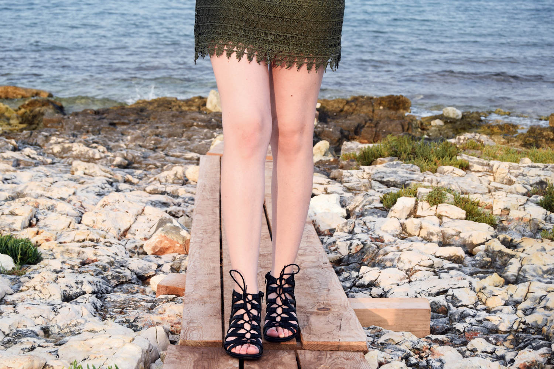 Seaside_lace_dress_outfit_Zala_Zagoricnik_5