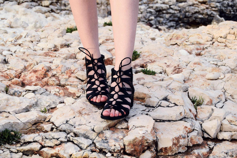 Seaside_lace_dress_outfit_Zala_Zagoricnik_9