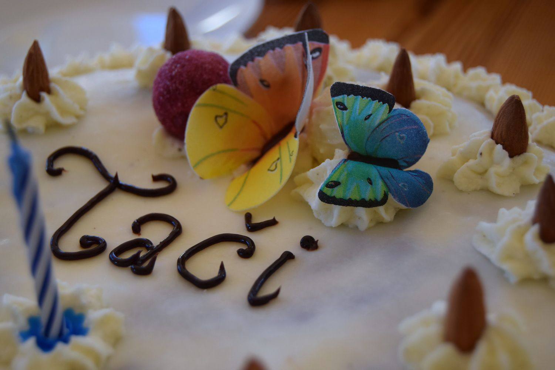 Birthday_cakes_Zalabell_2