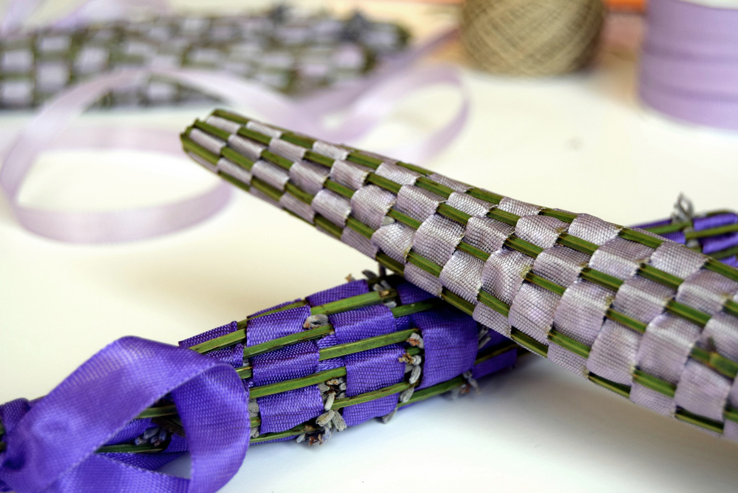 Woven_lavender_wands_diy_zalabell_4