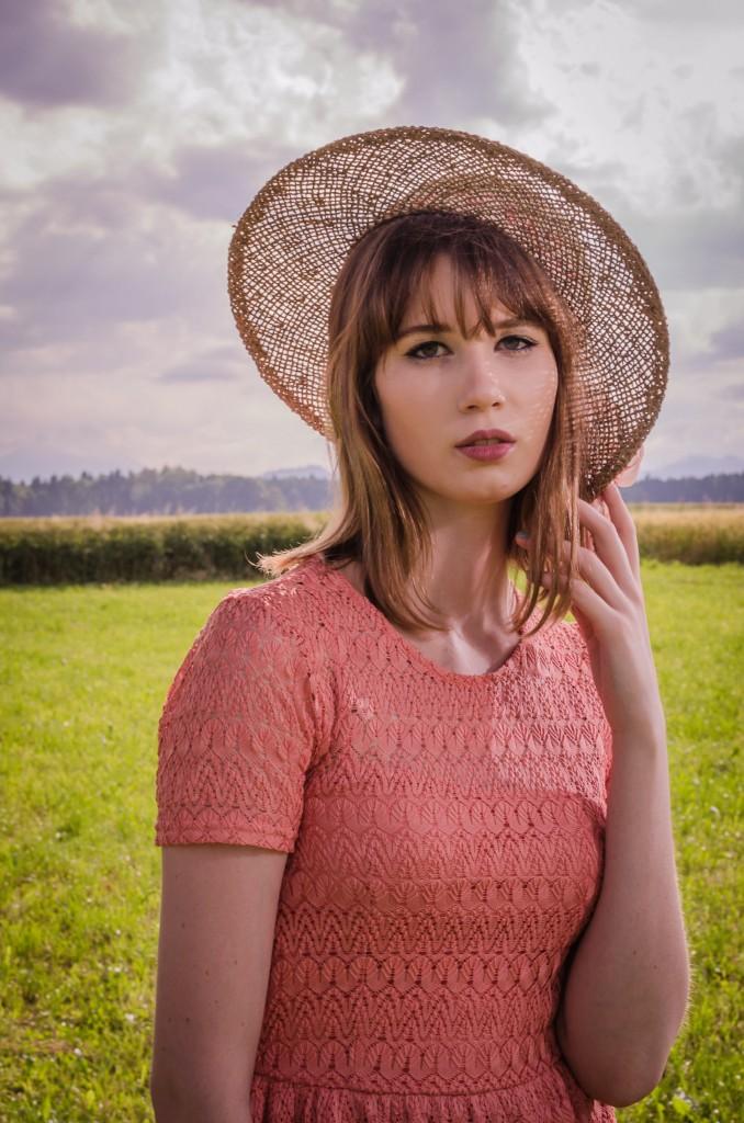 Lace_dress_summer_Zalabell_Zala_Zagoricnik_3