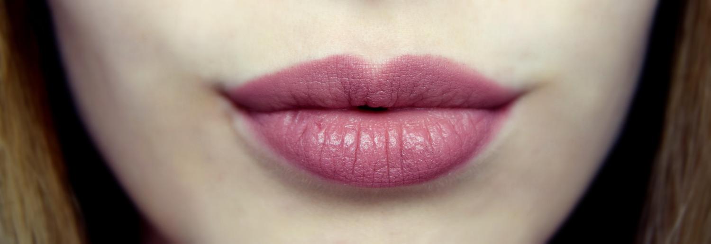 Lipstick_essence_Zalabell_Zala_Zagoricnik_makeup_beauty_blog_2
