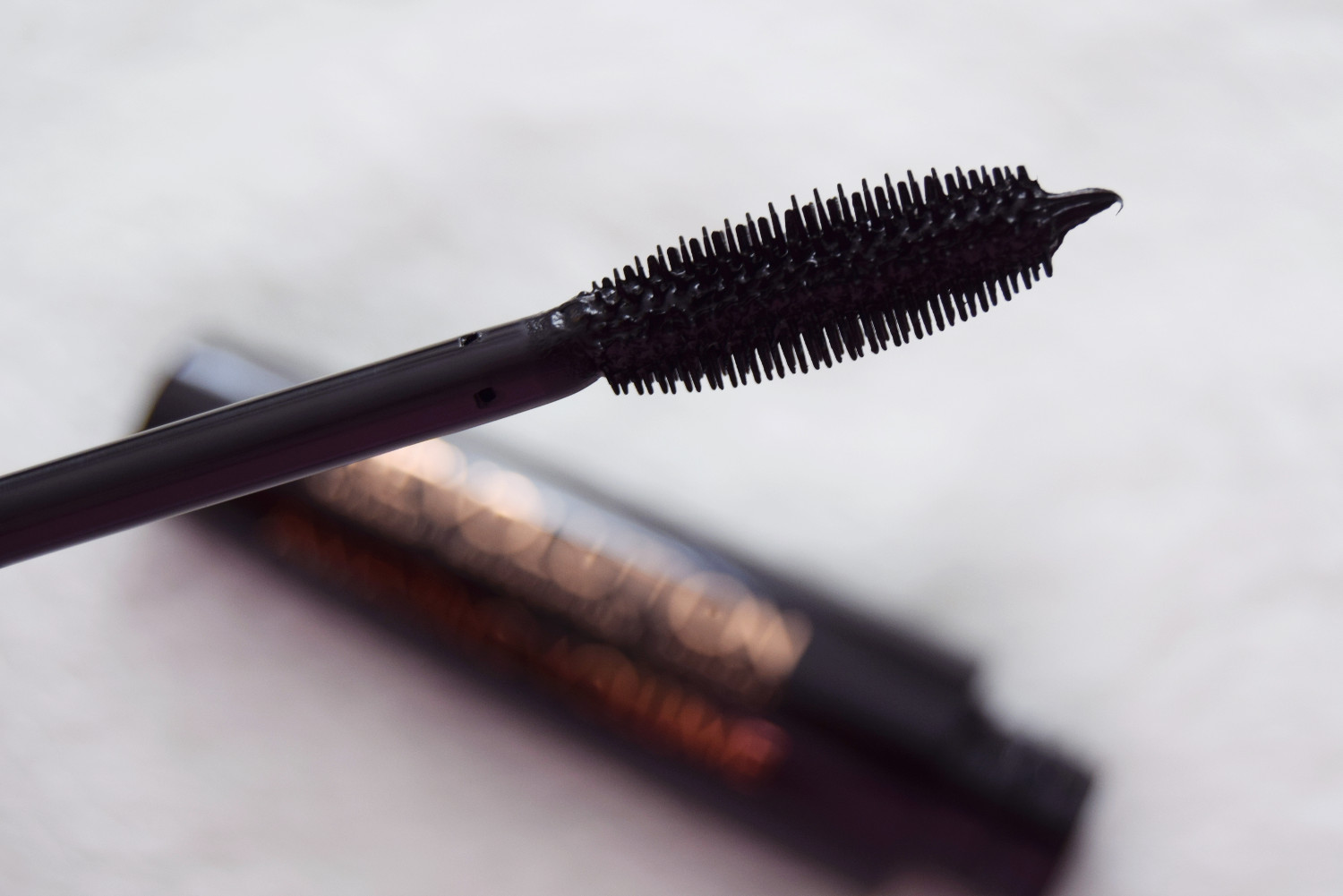 Makeup_Revolution_London_haul_review_Amazing_volume_mascara_black_Zalabell_1