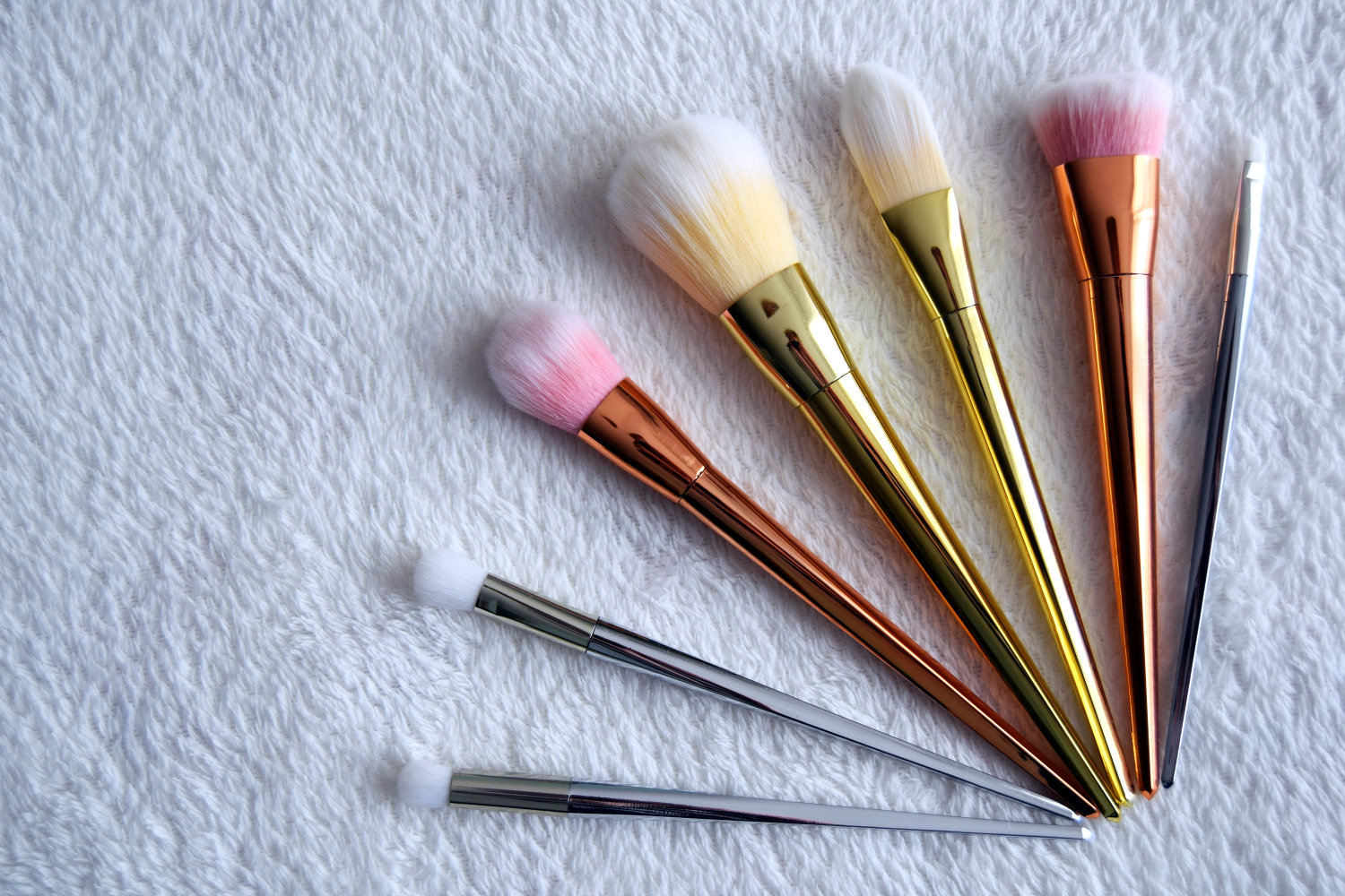 new_in_brushes_rose_gold_silver_zalabell_beauty_2