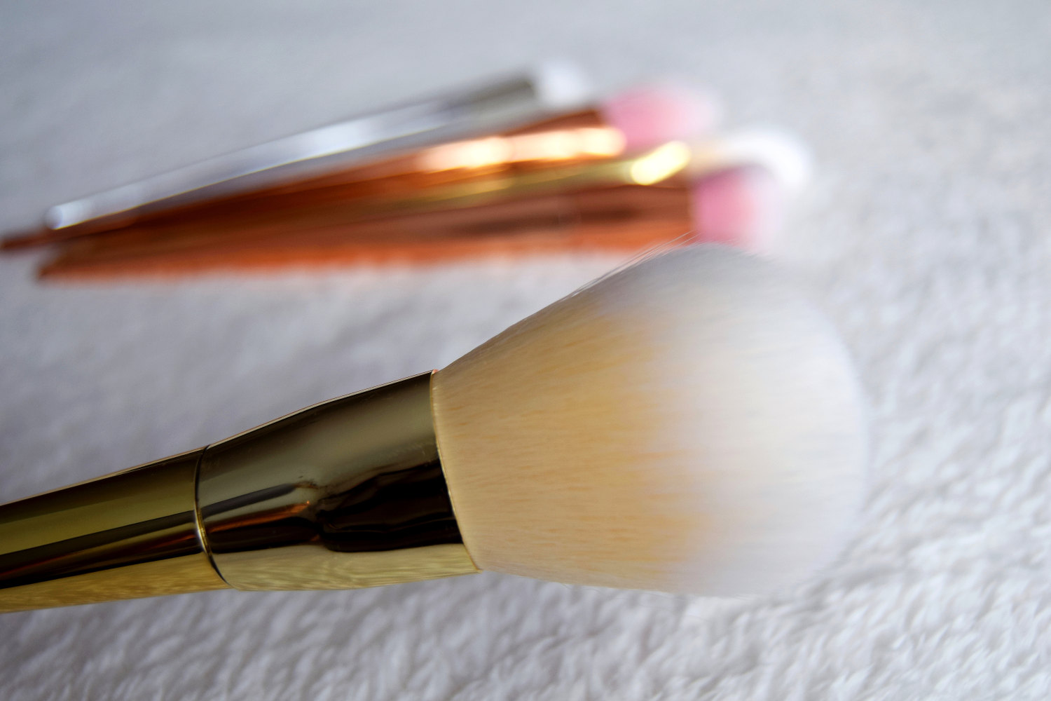 new_in_brushes_rose_gold_silver_zalabell_beauty_3