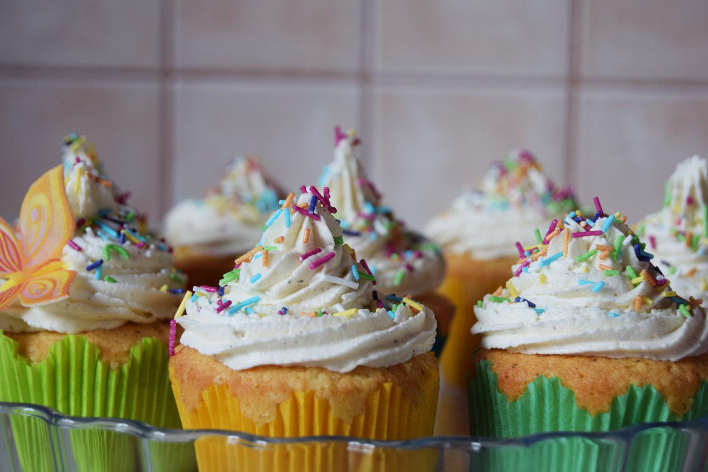 rainbow_cupcakes_recipe_zalabell_11