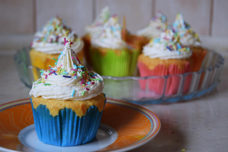 rainbow_cupcakes_recipe_zalabell_13