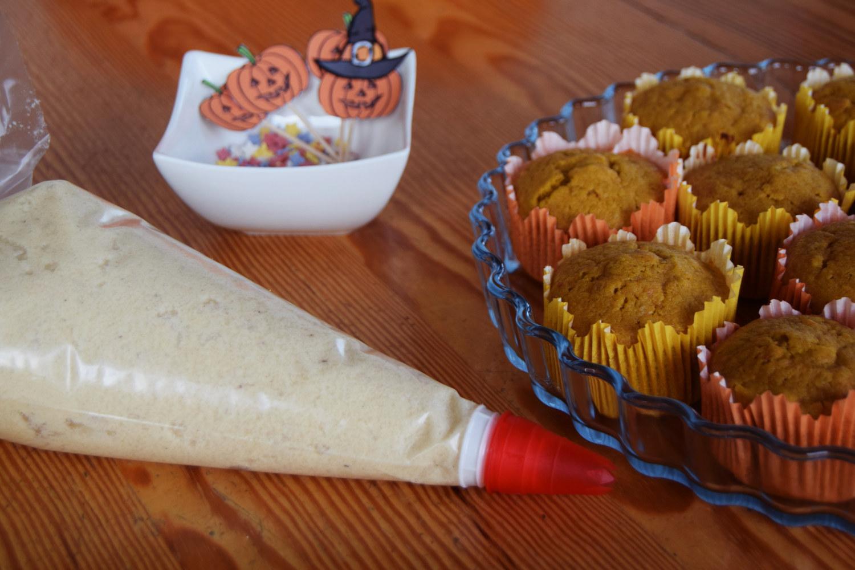 halloween_cupcakes_pumpkin_goji_party_zalabell_recipe_8