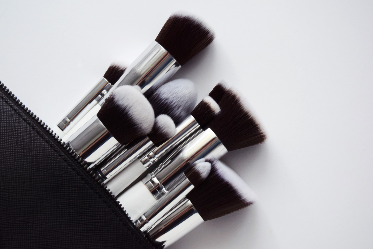zalabell_beauty_jessup_brushes_review_testing_makeup_autumn_1