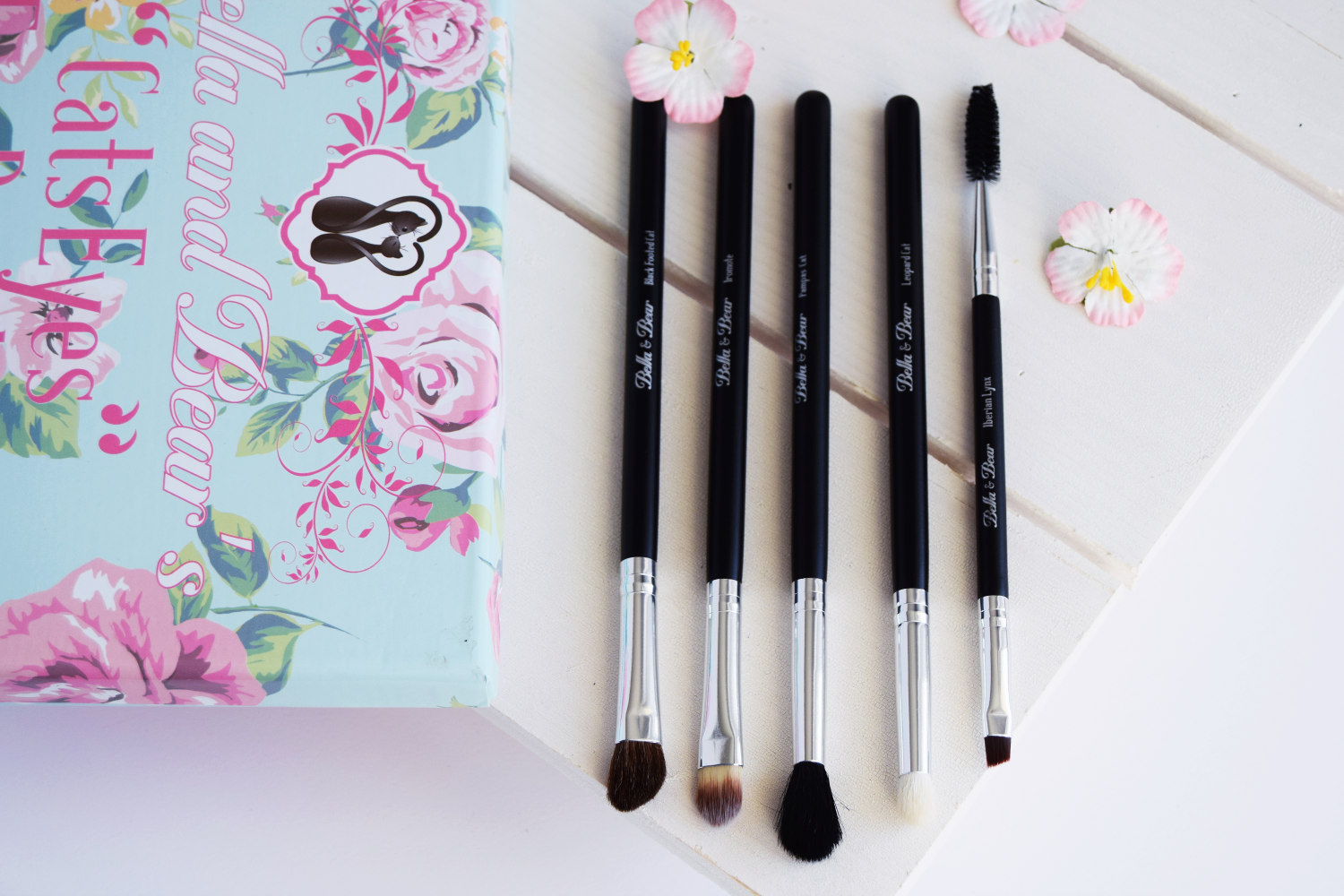 bella_and_bears_cats_eyes_eye_brush_set_zalabell_beauty_review_7