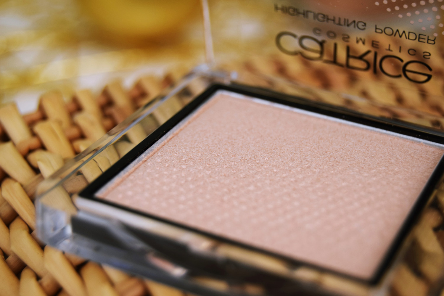 catrice_cosmetics_pret_a_lumiere_limited_edition_review_zalabell_beauty_9