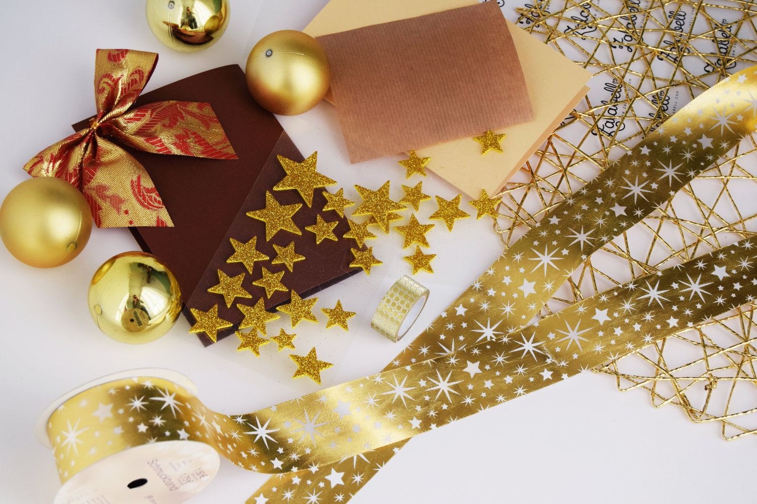 christmas_cards_zalabell_ideas_diy_creative_gold_stars_1