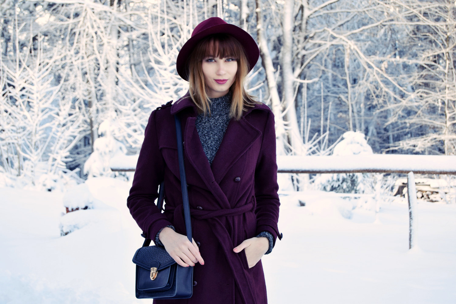 Winter_outfit_bordeaux_snow_Zalabell_fashion_1