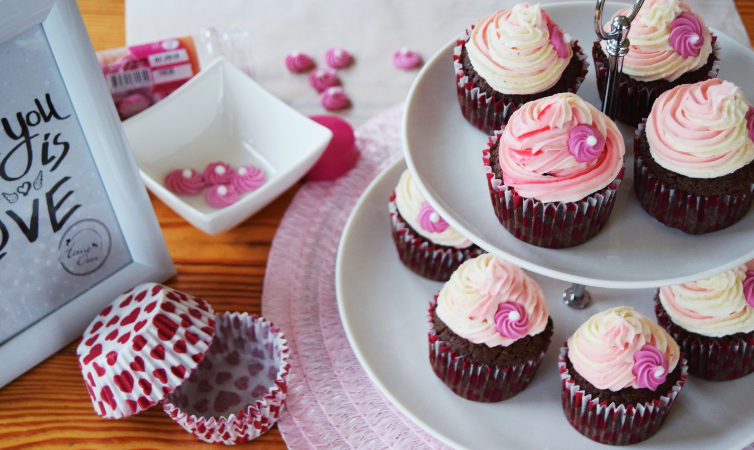Valentines_day_cupcakes_pink_Zalabell_kitchen_2