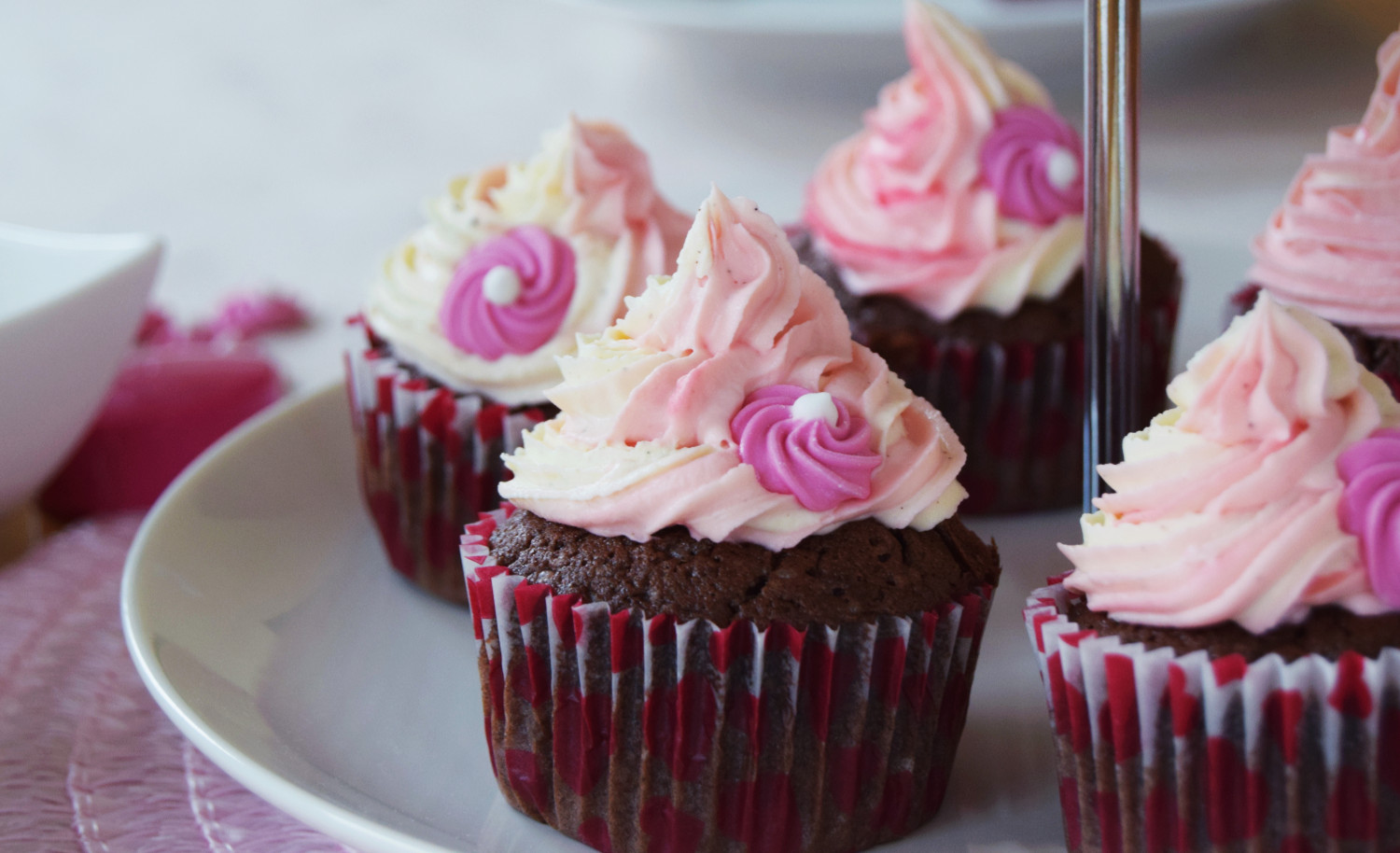 Valentines_day_cupcakes_pink_Zalabell_kitchen_3