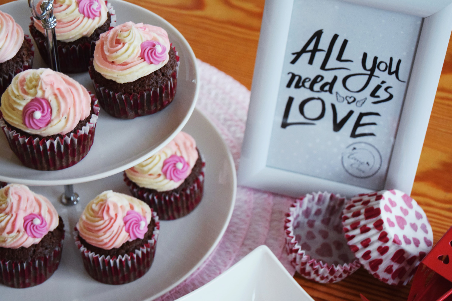 Valentines_day_cupcakes_pink_Zalabell_kitchen_5