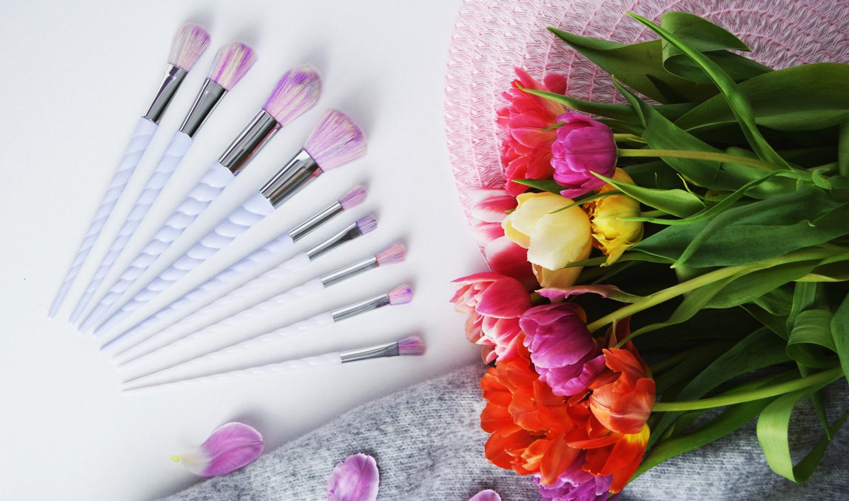 Unicorn_Rainbow_makeup_brushes_Zalabell_beauty_4
