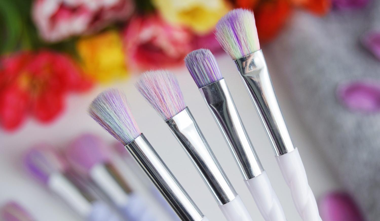 Unicorn_Rainbow_makeup_brushes_Zalabell_beauty_6