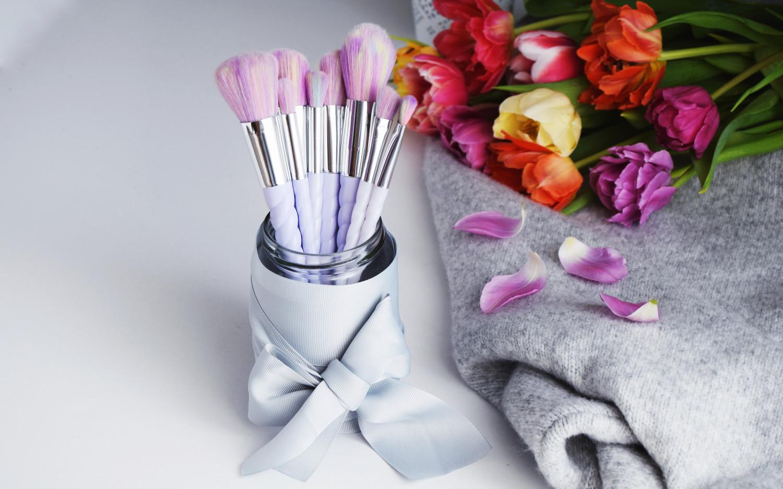 Unicorn_Rainbow_makeup_brushes_Zalabell_beauty_7