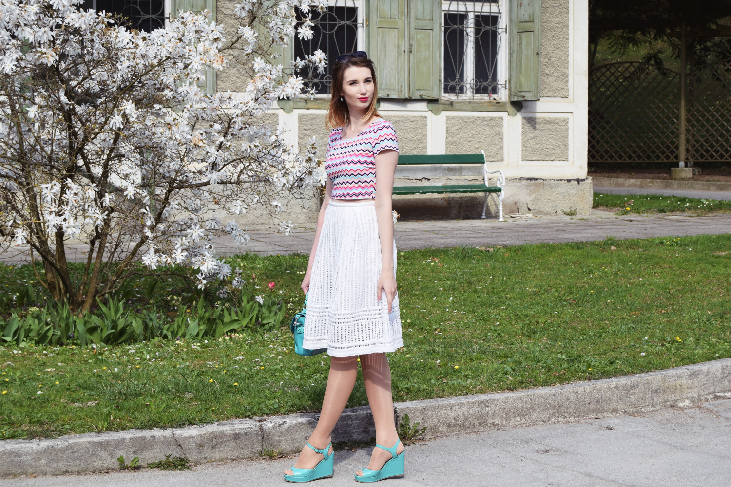 Spring_skirt_white_fashion_outfit_Zalabell_style_4