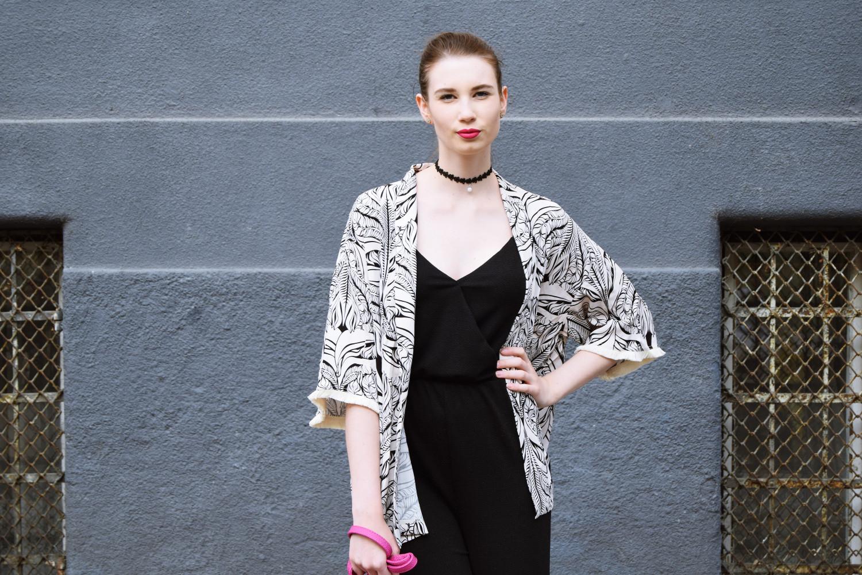 Zalabell_Blondberry_fashion_elegant_black_kimono_outfit_8