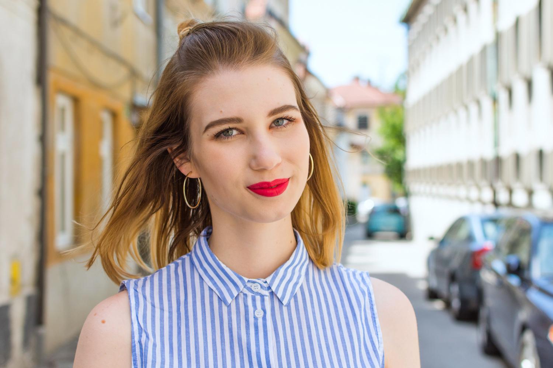 Zalabell_fashion_summer_blue_shirt_red_bag_7